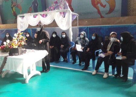 برگزاری جلسه آموزشی و پیشگیری برای ۲۳۰ نفر از بانوان آسیب دیده از اعتیاد در مشهد