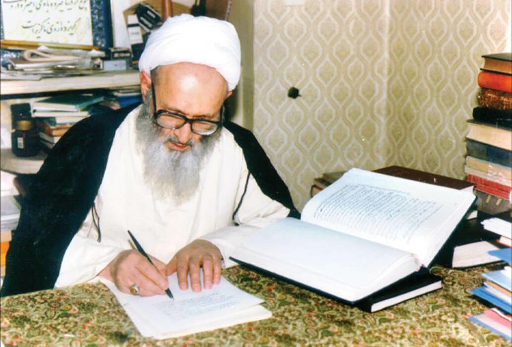 دکتر مومنی درگذشت آیت الله حسن زاده آملی را تسلیت گفت