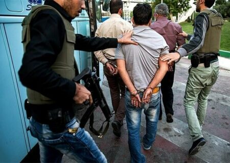 سرباند حرفه ای موادمخدر در بم دستگیر شد
